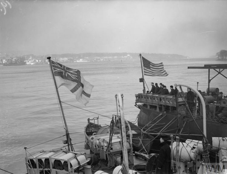 White Ensign Old Glory Londonderry British American warships Battle Of The Atlantic © IWM (A 9206)