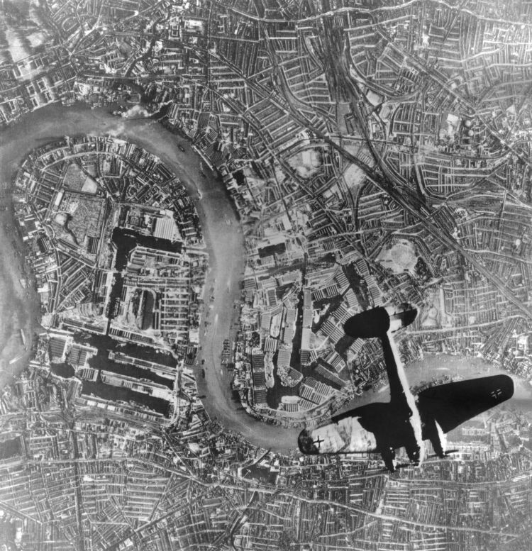 German Heinkel 111 bomber over London By Everett Historical/shutterstock