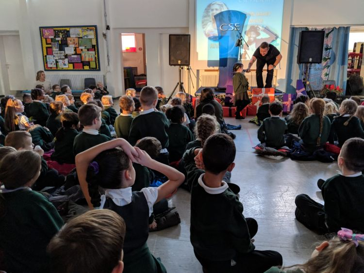 Barry Castagnola performs for CSE at Attenborough School, Germany