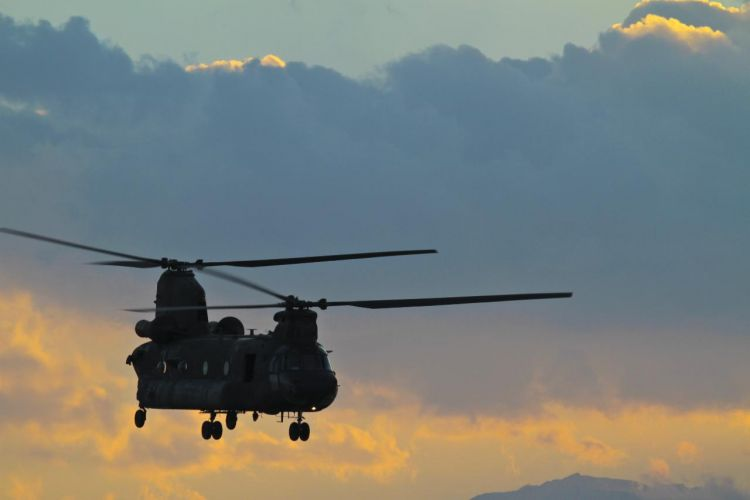 Chinook over London - Jumpstory Pic