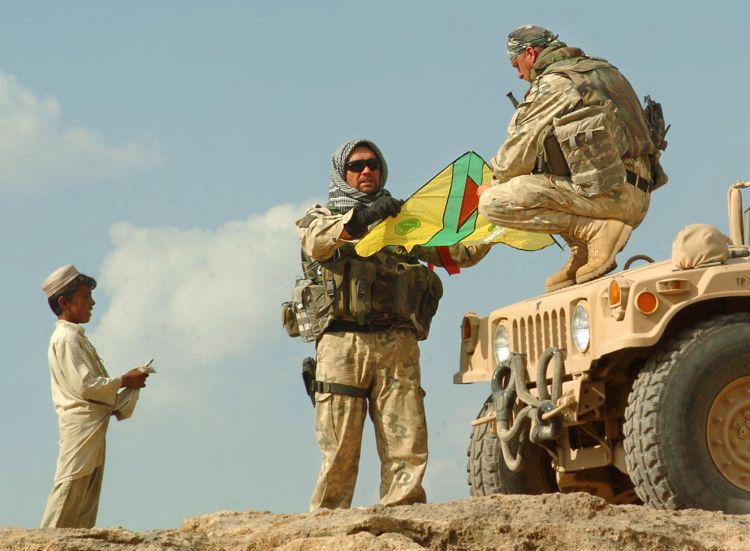 Polish Soldiers Help Afghan Children Experience Kite-Flying Joy