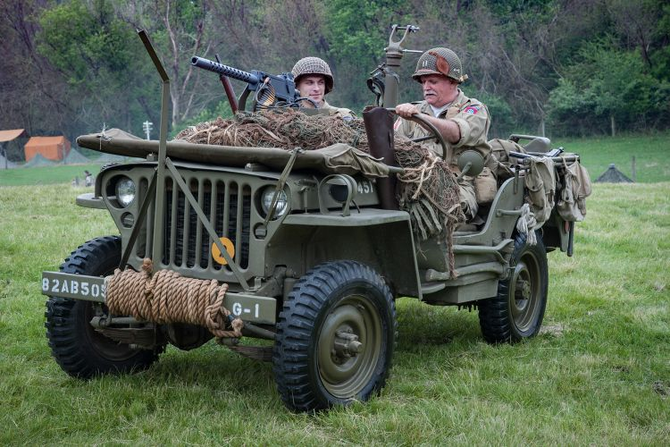 jeep and Browning .30 calibre machine gun from Shutterstock