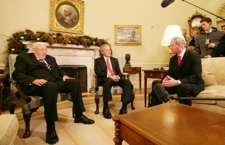 Ian Paisley, George W. Bush and Martin McGuinness in 2007