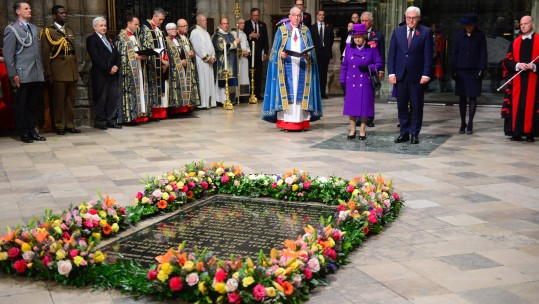 Armistice Day 2018 Queen Elizabeth and German President Frank-Walter Steinmeier 121118 PA