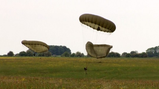 US and British Reservists on Exercise Air Drop Warrior