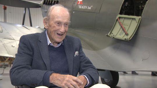 Hans Eigel Piloto danés de la Segunda Guerra Mundial en RAF Biggin Hill 70 años en 040521 CREDIT BFBS.jpg