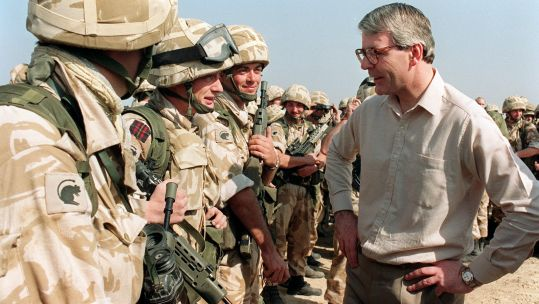 Prime Minister John Major Soldiers from 3rd Battalion Desert Rats 080191 CREDIT PA