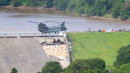RAF Chinook Whaley Bridge Dam Day 2