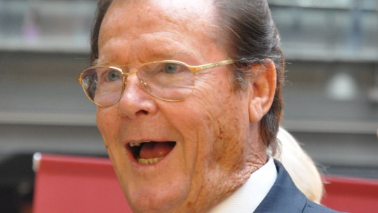 Roger Moore Dies: Actor Entertained Troops Whilst On National Service