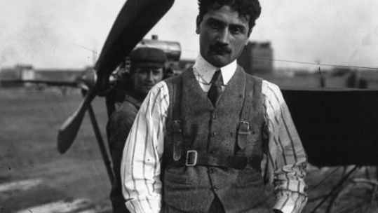 Roland Georges Garros in front of a Demoiselle plane