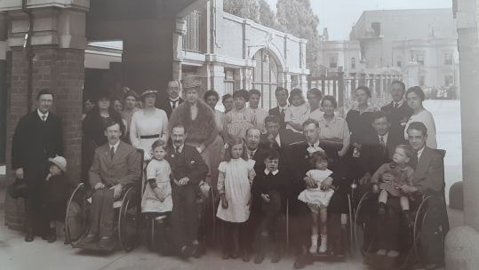 disabled World War 1 veterans and staff at the War Seal Mansions in 1920