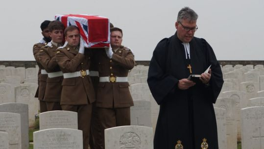 Unknown soldier coffin carried by Mercian Regiment troops
