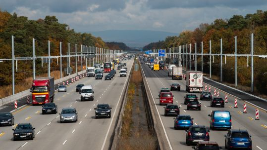 Vehicles on Autobahn 5 Darmstadt
