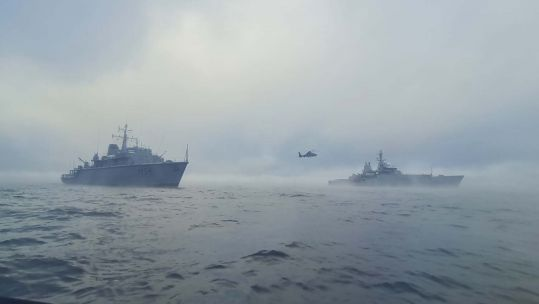 HMS Echo and Lithuanian LNS Kursis during minehunting operations in the Baltic Sea DATE UNKNOWN CREDIT LITHUANIAN NAVY